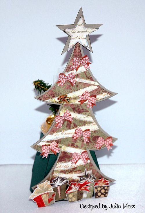 Add  Christmas tree  Julia Moss - Huge christmas tree