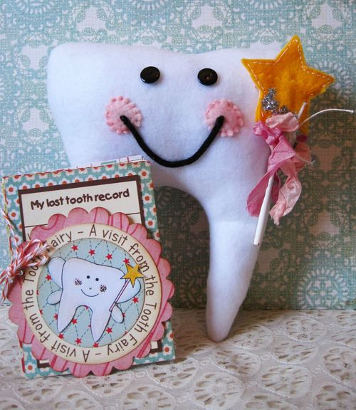 Tooth shaped card lori