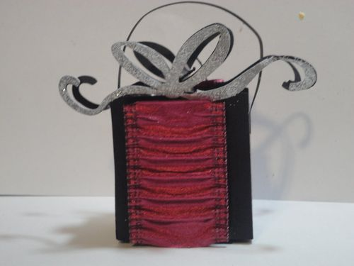 Present  Tmika Miller - Present treat box