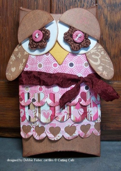 Pillow box owl  Debbie Fisher - Assorted pillow boxes and Heart borders