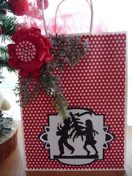 Christmas gift bag  Jeri Thomas - Loopy Loopy Bow - Flower
