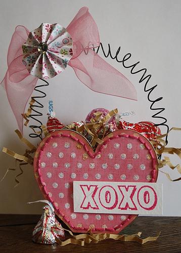 Xoxo  Carolyn Wolff - Heart treat box