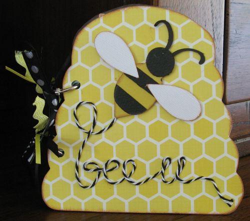 Bee mini album  Kerys Sharrock - Beehive shaped card