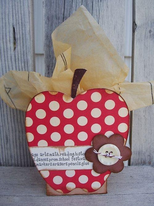 Apple treat box   Debbie Fisher - Apple Treat box