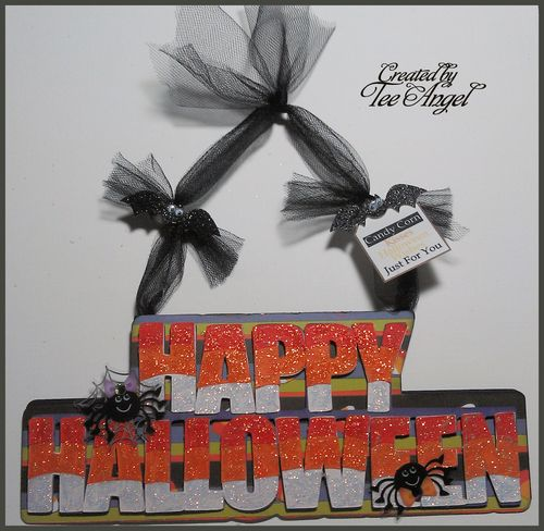 Happy Halloween  Tee Angel - Happy Halloween word shaped card