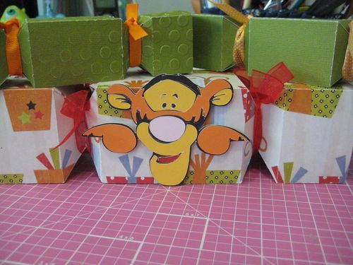 Tiger  Lezlye Lauterbach - Cracker treat box