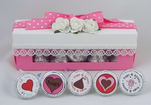 Candy box with kisses Deloris Thiede - Hershey kiss window box and Valentine hershey kiss bottoms