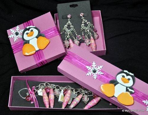 PAPER BEAD SET  Leslie Foley - Paper beads set and Jewelry holder set