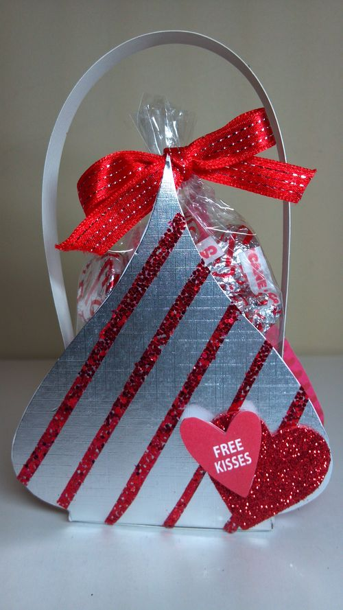 Free kisses  Audrey Long - Heart treat box