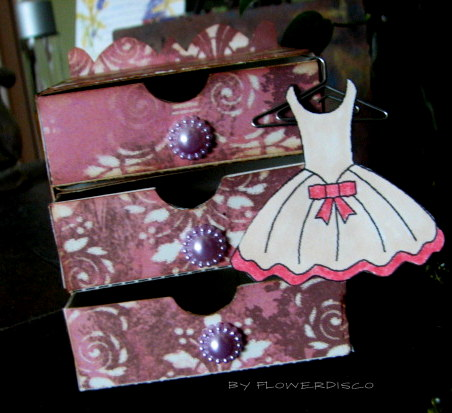 Dresser box and All about girls - Flowerdisco Agnes