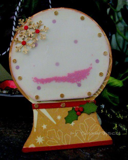 Snowglobe shaped card - Flowerdisco Agnes