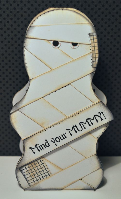 Mummy shaped card