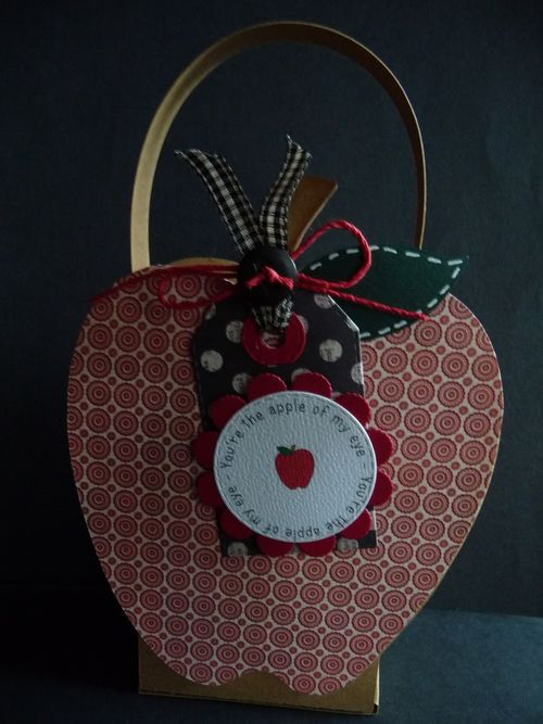 Apple treat box - Jeri Thomas
