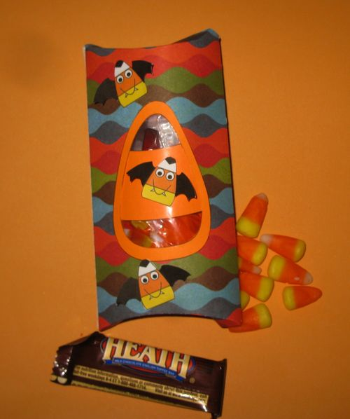 Pillow box - Cathryn Holzschuher - Candy corn pillow box and Crazy candy corn