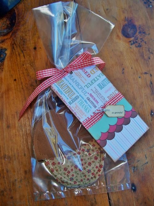 Acorn gift set - Debbie Fisher - With Graditute set and Acorn shaped card