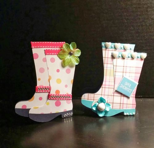 Rainboots shaped card - Reketa Brown
