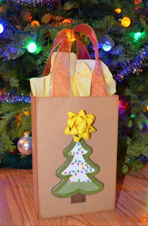 Tina Goodwin - Gift Bow template