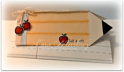 Apple shaped card - claudia