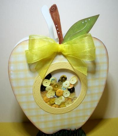 Apple shaped card - larelyn