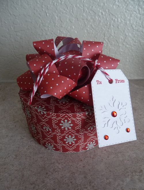 Jeri Thomas - Gift Bow template and round Box