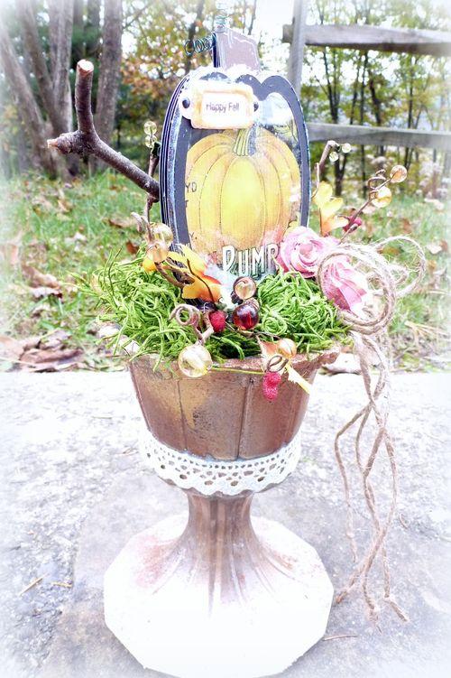 Pumpkin shaker card - Mitra Pratt