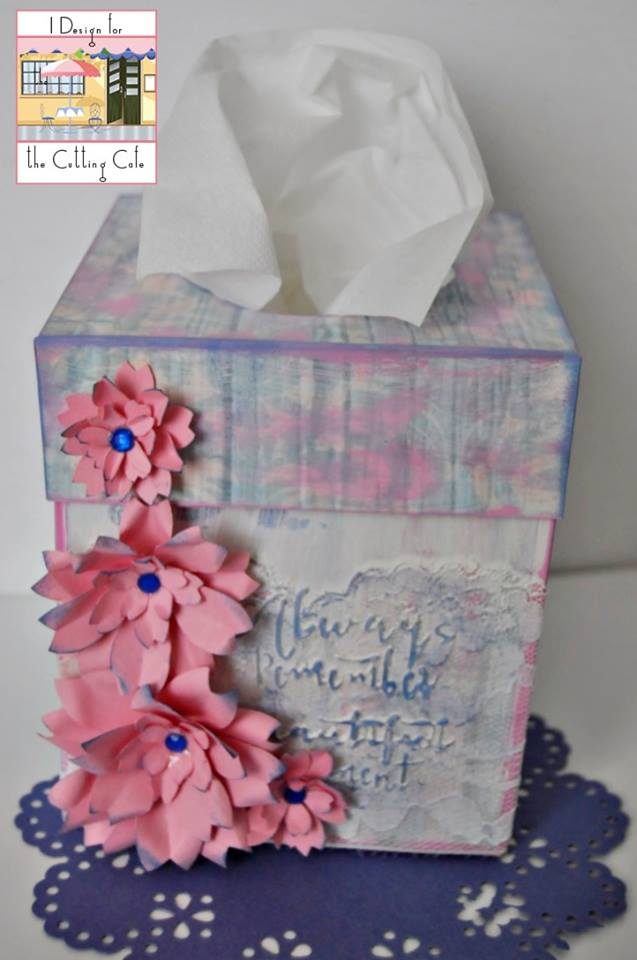 Maria Pilar - Tissue box holder