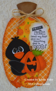 Pumpkin shaped card - Leslie Foley