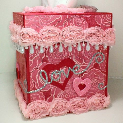 Tissue box cover - Chauntelle Lee
