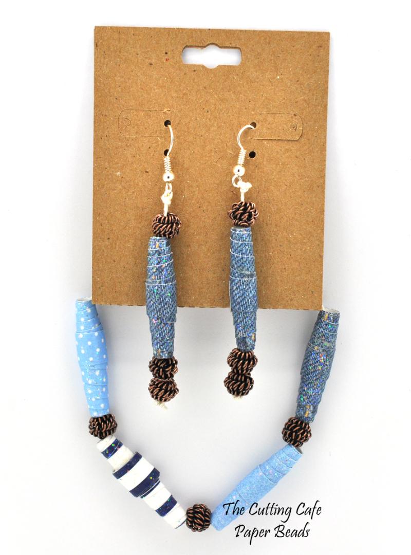 Paper beads - regina