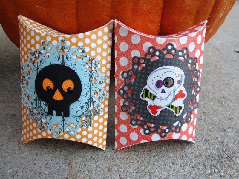 Debbie - halloween pillow boxes