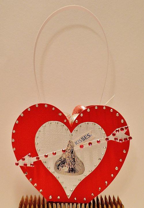 Valentine treat box - Lisa Snowdy